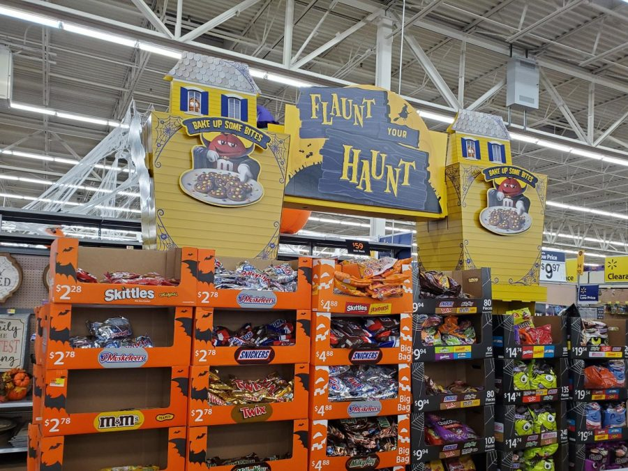 Halloween+candy+displays+at+a+local+Walmart+attracts+consumers+to+buy+