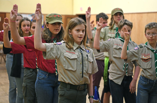 One+of+the+first+Girl+Scout+BSA+troops+being+sworn+in+to+the+Boy+Scouts.+Courtesy+of+Creative+Commons.